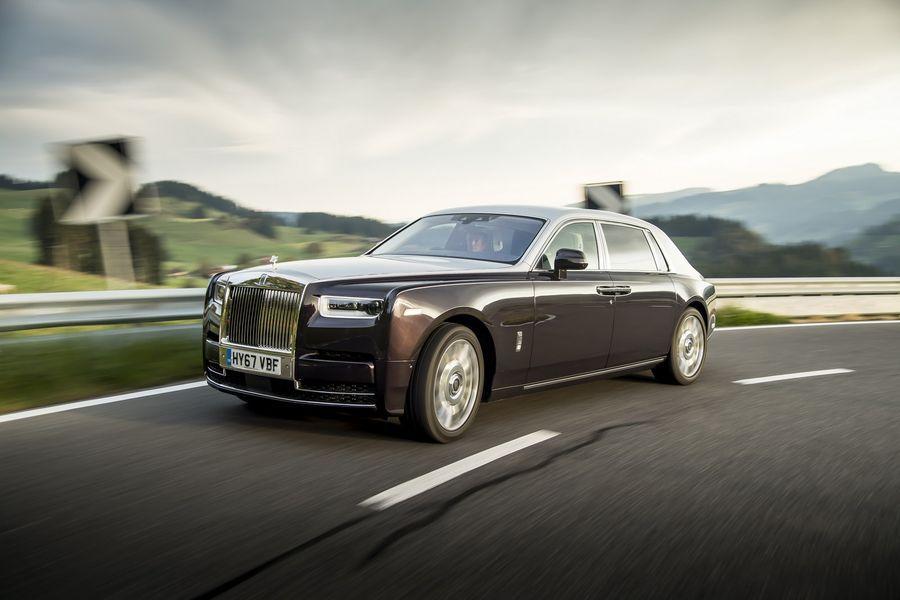 Rolls-Royce Phantom 2018 trên đường chạy 2