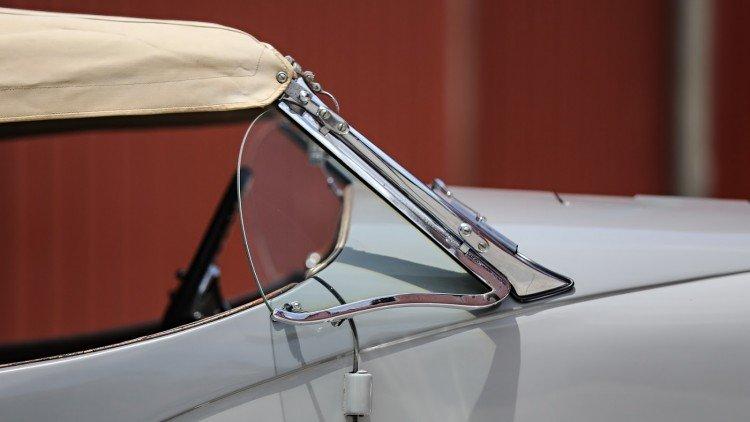 Ô tô đắt tiền nhất có trị giá lên đến 512 tỷ VND.