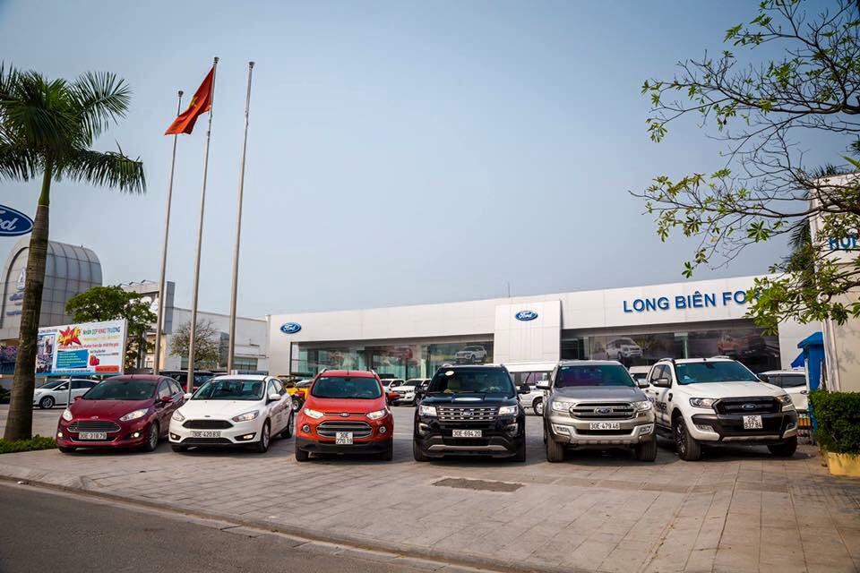 Khung cảnh bên ngoài của Ford Long Biên