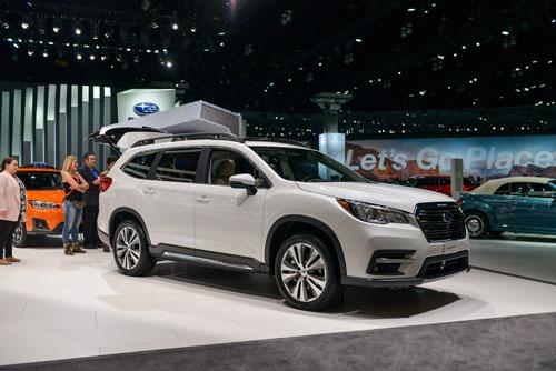 10 xe SUV/Crossover 3 hàng ghế tốt nhất năm 2019: Subaru Ascent 2019.
