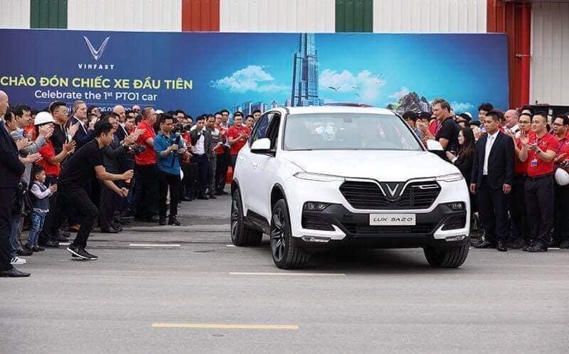 Ô tô VinFast LUX SA2.0 chính thức chạy thử tại Việt Nam.
