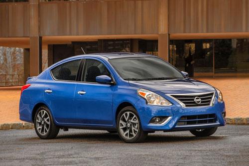 mẫu xe ô tô bị bán lại nhiều nhất sau 1 năm sử dụng - Nissan Versa.