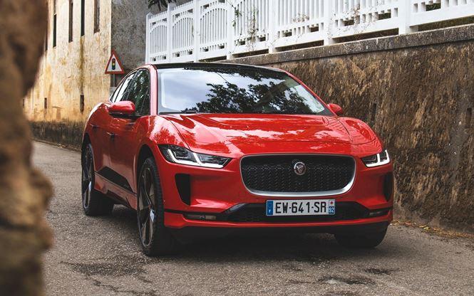 Hệ thống động lực điện toàn phần trên Jaguar I-Pace đạt nhiều giải thưởng.