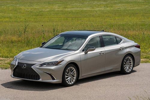 10 ô tô cỡ nhỏ đạt độ tin cậy cao nhất hiện nay:Lexus ES 2019..