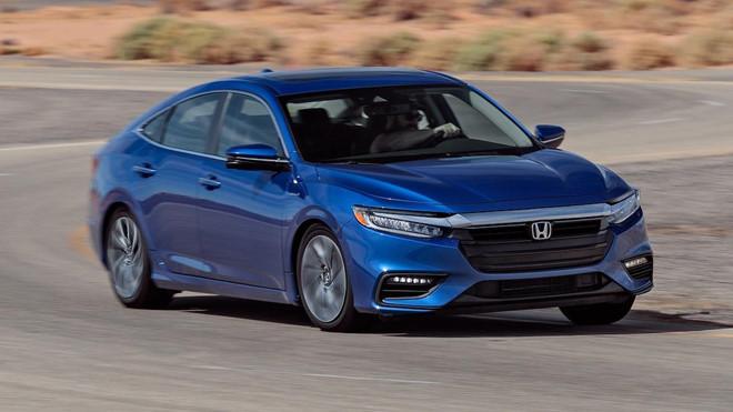 8 mẫu xe cỡ nhỏ an toàn nhất hiện nay: Honda Insight.