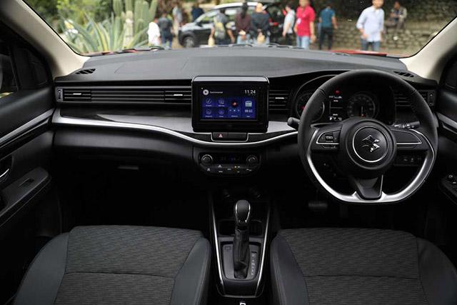 táp lô Suzuki XL7 2020