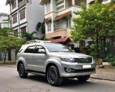 Bán Toyota Highlander đời 2011, màu trắng, nhập khẩu nguyên chiếc giá 1 tỷ 220 tr tại Hà Nội