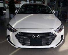 Hyundai Bà Rịa - Vũng Tàu bán xe Elantra 2018 mới màu trắng giá 639tr, hỗ trợ vay ngân hàng thủ tục nhanh gọn giá 619 triệu tại BR-Vũng Tàu