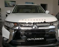Bán Mitsubishi Outlander năm 2018, màu trắng giá 1 tỷ 100 tr tại Hà Nội