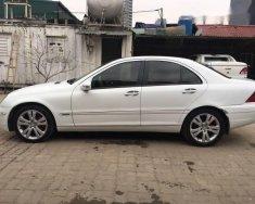 Cần bán xe Mercedes C180 đời 2003, màu trắng, số tự động, giá chỉ 198 triệu giá 198 triệu tại Hà Nội