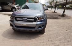 Cần bán Ford Ranger XLS số tự động 2017, màu xanh thiên thanh giá 685 triệu tại Hà Nội