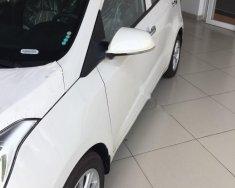 Bán Hyundai Grand i10 1.0 MT năm 2017, màu trắng, nhập khẩu, giá 360tr giá 360 triệu tại Tp.HCM