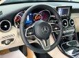 Cần bán gấp Mercedes C180 đời 2020, màu đen