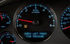 Những công nghệ giúp việc lái ô tô dễ hơn