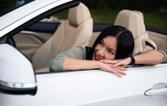 Người đẹp và xe: Gặp lại người mẫu ảnh lịch