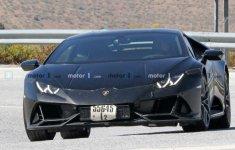 Lamborghini Huracan chạy thử trên đường để lộ một vài chi tiết