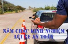 Nắm chắc kinh nghiệm lùi xe an toàn, tránh va chạm với chướng ngại vật