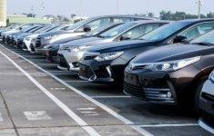 Doanh số ô tô Việt Nam lao dốc mạnh trong tháng 4