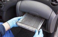 Những cách tự vệ sinh lọc gió điều hòa ô tô đơn giản mà hiệu quả