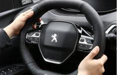 Hướng dẫn cầm vô-lăng ô tô đúng cách cho tài xế mới