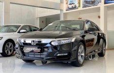 Honda Accord giảm giá sốc, lần đầu chạm đáy