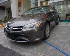 Cần bán Toyota Camry XLE đời 2015, màu xám bạc, nhập khẩu giá 1 tỷ 800 tr tại Tp.HCM