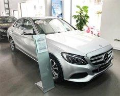 Cần bán lại xe Mercedes C200 đời 2016, màu trắng giá 1 tỷ 310 tr tại Hà Nội