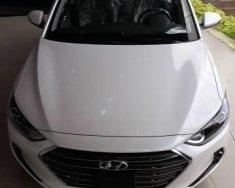 Bán ô tô Hyundai Elantra đời 2017, màu trắng   giá 545 triệu tại Hậu Giang