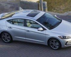 Cần bán Hyundai Elantra đời 2017, màu bạc giá 545 triệu tại Bình Dương