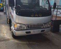 Cần bán xe tải Jac 2T5 mới 100%, thùng dài 3m7 vào thành phố giá Giá thỏa thuận tại Tp.HCM