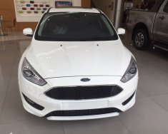 Bán Ford Focus 1.5L Titanium đời 2018, màu trắng, giá bán có thương lượng giá 760 triệu tại Hà Nội
