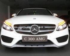 Bán Mercedes 300AMG năm sản xuất 2018, màu trắng giá 1 tỷ 949 tr tại Tp.HCM