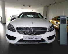 Mercedes Benz C300 Coupe trắng - giao ngay giá 2 tỷ 699 tr tại Tp.HCM