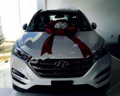 Cần bán xe Hyundai Tucson năm 2018, màu trắng giá 828 triệu tại Tp.HCM