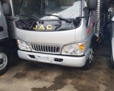 Đại lý bán trả góp xe tải Jac 2T4, trả trước 20tr lấy xe giá 275 triệu tại Tp.HCM