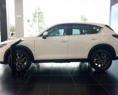 Mazda Bình Tân cần bán xe CX-5 2.5L 2WD 2018 màu trắng, hỗ trợ vay 90%, xe giao ngay. Lh 0902482341 gặp Toàn giá 999 triệu tại Tp.HCM