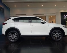Mazda Bình Tân cần bán xe CX-5 2.5L 2WD 2018 màu trắng, hỗ trợ vay 90%, xe giao ngay. Lh 0869919151 gặp Phúc Thịnh giá 999 triệu tại Tp.HCM