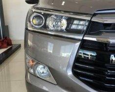 Bán ô tô Toyota Innova 2.0 E đời 2018, màu bạc giá 700 triệu tại Hà Nội