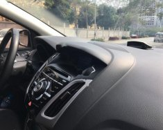 Bán xe Ford Focus S đời 2015, màu trắng chính chủ giá 645 triệu tại Hà Nội