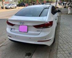 Cần bán Hyundai Elantra đời 2016, màu trắng như mới giá 599 triệu tại Tp.HCM