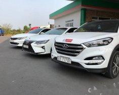 Cần bán Hyundai Tucson đời 2016, màu trắng giá 899 triệu tại Tp.HCM