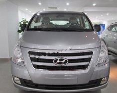Bán ô tô Hyundai Grand Starex 2.5MT sản xuất năm 2017, màu bạc, xe nhập, giá tốt giá 945 triệu tại Hà Nội