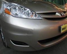Cần bán Toyota Sienna 3.5 LE sản xuất năm 2008, màu vàng, nhập giá 780 triệu tại Tp.HCM