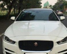 Bán Jaguar XE 25T Prestige 2016, màu trắng, xe nhập giá 1 tỷ 690 tr tại Tp.HCM