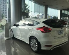 Bán Ford Focus đời 2018, màu trắng  giá 750 triệu tại Tp.HCM