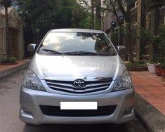 Bán xe Toyota Innova G 2.0 MT sản xuất 2011, màu bạc, chính chủ giá 415 triệu tại Hà Nội