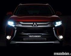 Cần bán Mitsubishi Outlander đời 2018, màu trắng, nhập khẩu chính hãng giá 808 triệu tại Quảng Bình