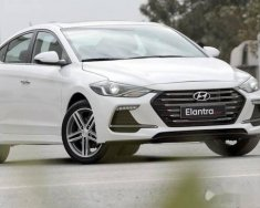Cần bán xe Hyundai Elantra đời 2018, màu trắng giá 170 triệu tại Tp.HCM