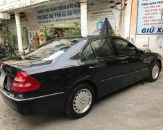 Cần bán lại xe Mercedes E240 đời 2004, màu đen, nhập khẩu nguyên chiếc, 330 triệu giá 330 triệu tại Tp.HCM