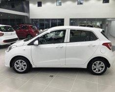 Bán ô tô Hyundai Grand i10 1.0 MT Base năm 2017, màu trắng giá 315 triệu tại Tp.HCM